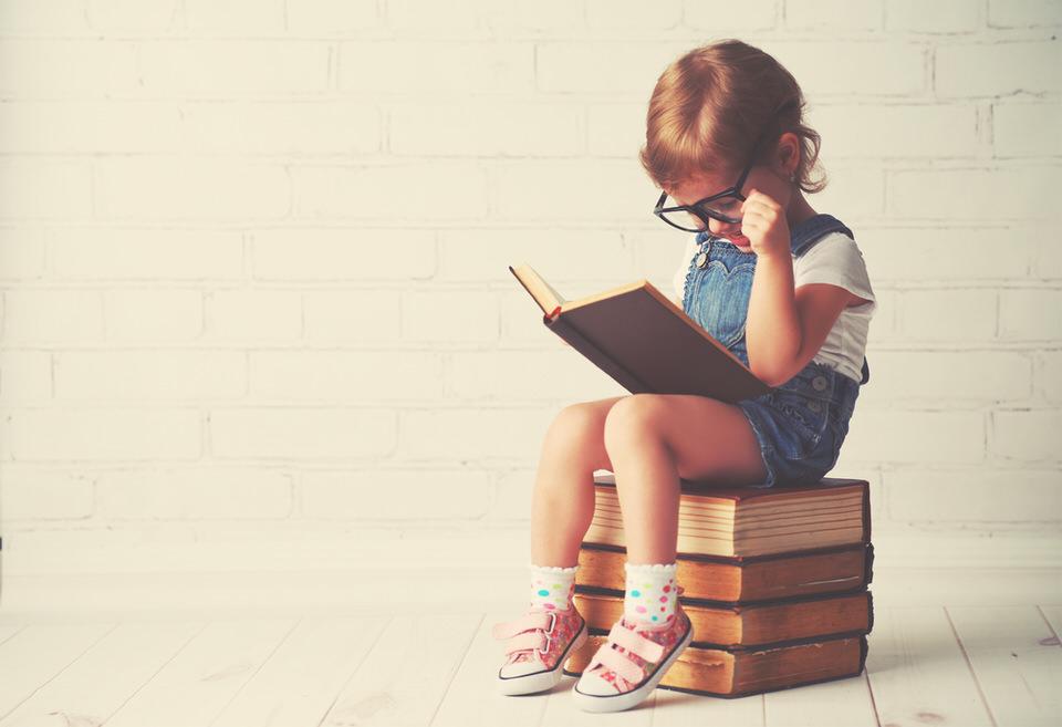 読書です。